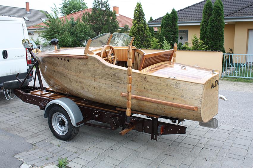 egyedi hajó