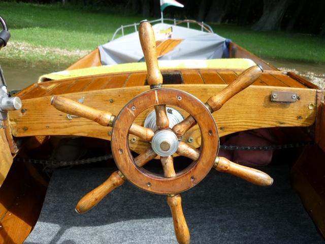 szivar testű  Karsai típusú, fa hajó.